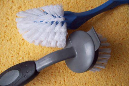 brushes-337582_1920